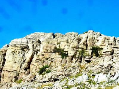 Selva Irati-Pirineo Navarro-Puente del Pilar; cercedilla madrid pueblos con encanto cerca de madrid